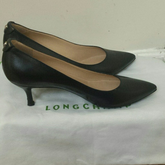 Longchamp Leather Pointed-Toe Pumps shopping online cheap online ZOAkafSC38